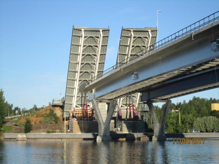 Asiakaskohtainen sylinteri silta